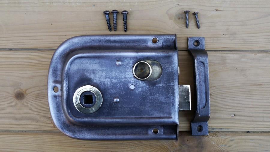 rim lock 3