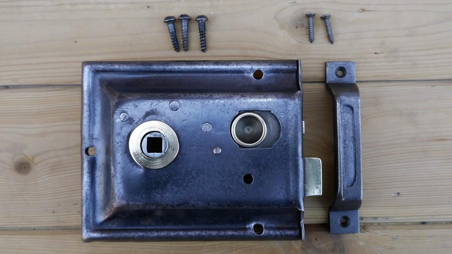rim lock 4