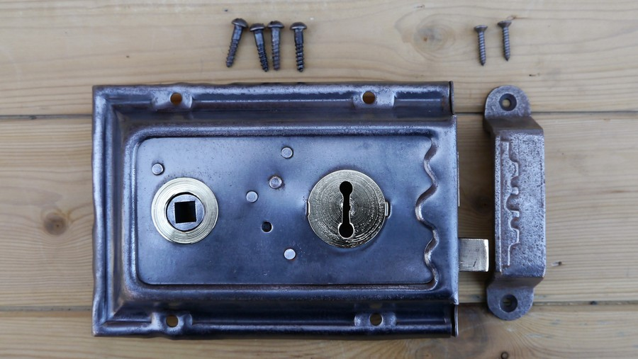 rim lock 6